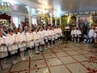 Столичних школярок посвятили у шляхетні панянки