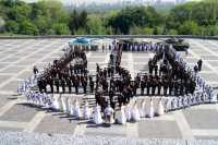 Київські кадети створили живий герб України