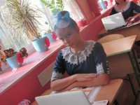 «Вчили бути скромними і не поступатися чоловікам: історія жіночої гімназії в Києві»