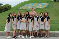 Старт музейної школи. Панянки на виставці «За волю України»